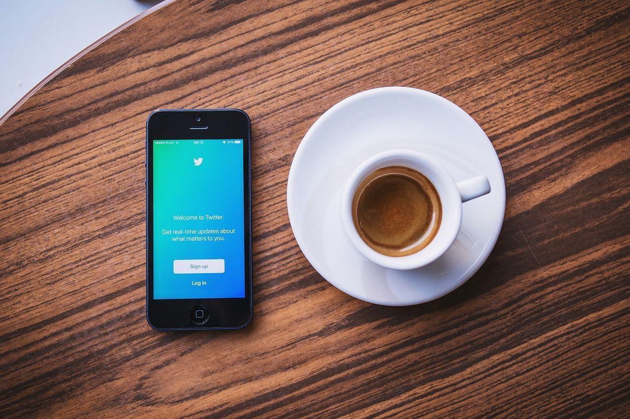 Como silenciar palabras o hashtag en Twitter